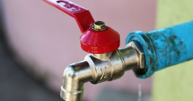 Jak rozmrazit vodu v potrubí